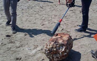 Sellia Marina, trovato fusto sospetto sulla spiaggia