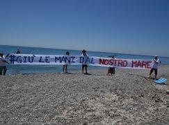 """Bova Marina, Meetup 5 Stelle """"Giù le mani dal nostro mare"""""""