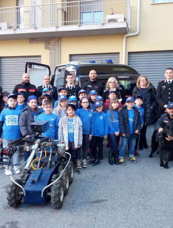 Giornata Legalità Lamezia Terme, alunni in visita al Comando CC