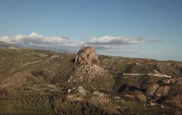 Esplorando le Rocche di Prastarà (Montebello Jonico)