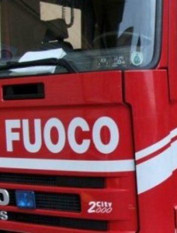 Incendio casa Lamezia Terme, intervento dei Vigili del Fuoco