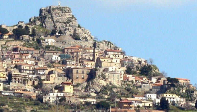Prima raccolta fondi a favore del Greco di Calabria