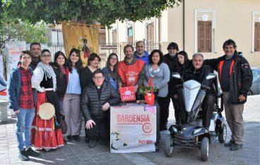 """Gruppo Folkloristico Lazzaro: """"Successo con la gardensia di AISM"""""""