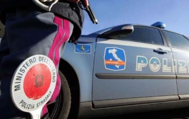 "Incidente A2 ""Mediterranea"", auto sbanda: due feriti"