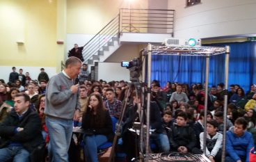 """Solidarietà Palmi, incontro al liceo """"Pizi"""""""