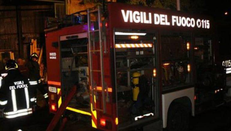 Auto incendiate nel reggino, intervento dei Vigili del Fuoco