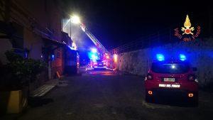 incendio pub Catanzaro Lido