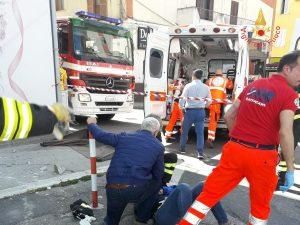 crolla balcone a Catanzaro