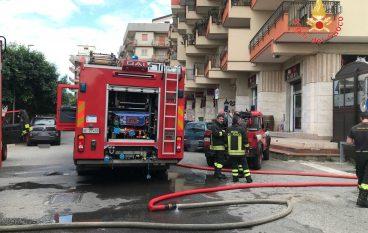 Incendio ristorante Soverato, intervento dei Vigili del Fuoco