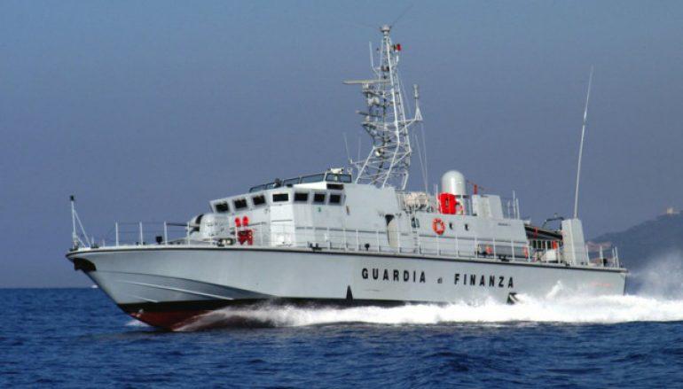 48 migranti soccorsi al largo di Crotone