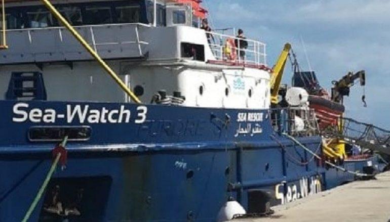 Sbarco migranti a Reggio Calabria, in salvo bimbo di 11 anni
