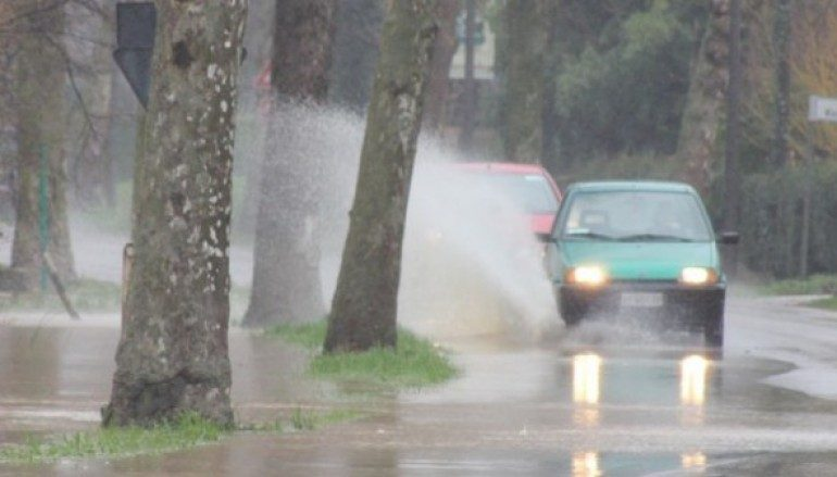 Violento acquazzone su Reggio Calabria. Molti danni