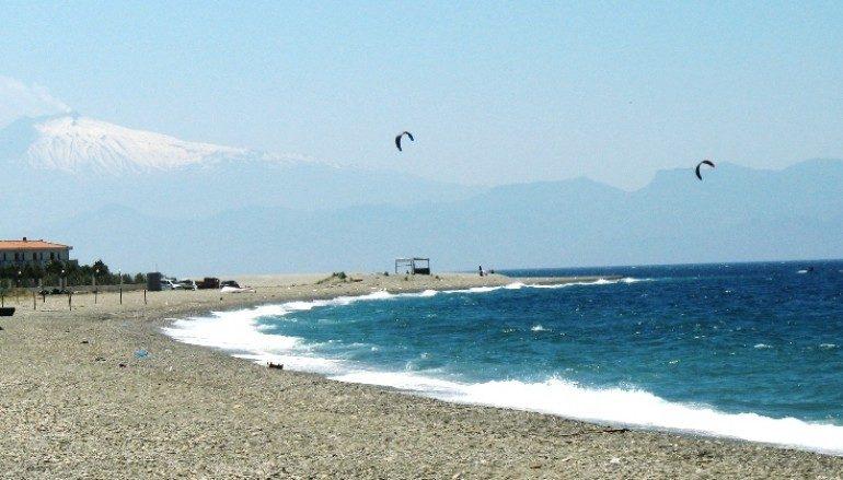 Punta Pellaro tra le migliori spiagge per windsurf e kitesurf