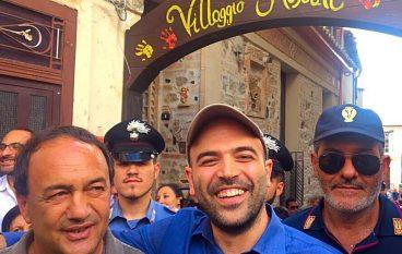 Saviano a Riace, incontro con il Sindaco Lucano