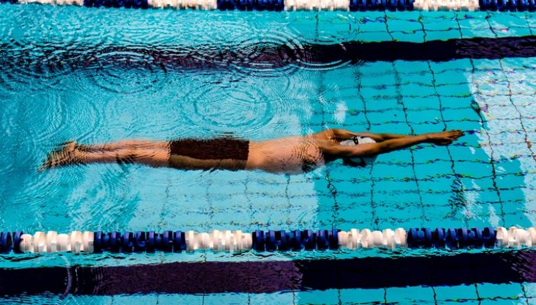 Il nuoto è uno sport completo. Ma anche no