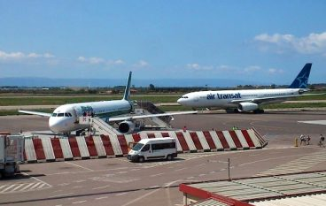Aeroporto di Lamezia, trova 3.500 euro e li consegna alla Polizia