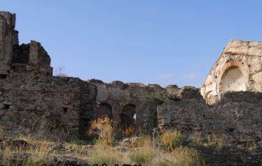 Esplorando la Chiesetta Bizantina di Santo Niceto a Bova Marina