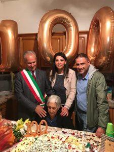 100 anni di nonna Antonina