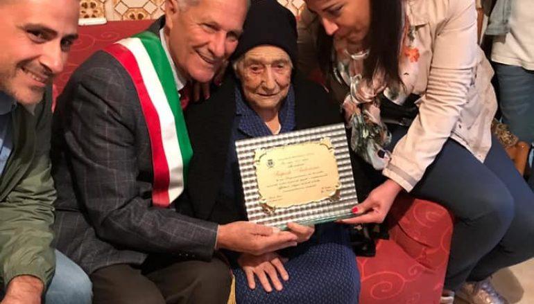 I 100 anni di nonna Antonina, Montebello festeggia