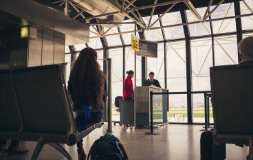 Mesi di voli cancellati negli aeroporti calabresi: risposte ai viaggiatori aerei
