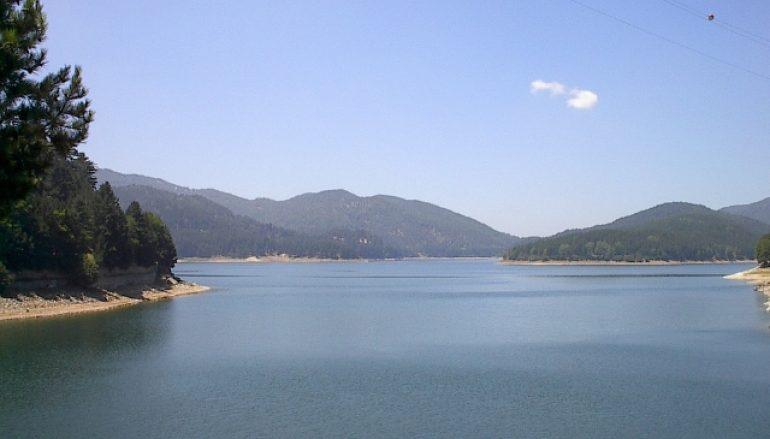 Cadavere ritrovato in riva al lago Ampollino