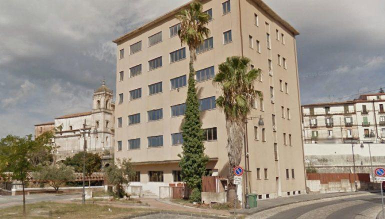 Ex Hotel Jolly di Cosenza: inizia la demolizione