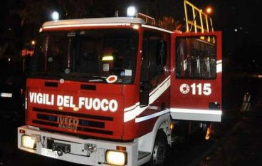 Locale in fiamme a Reggio Calabria