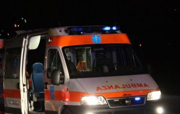 Incidente stradale A2: tir contro guardrail