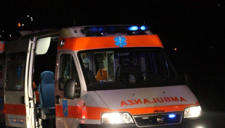 Autoarticolato prende fuoco in galleria sull'A2 a Bagnara Calabra