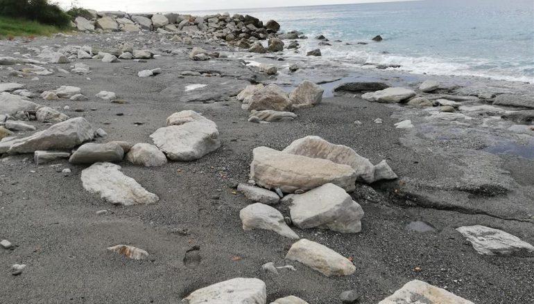 Erosione costiera sulla costa jonica reggina