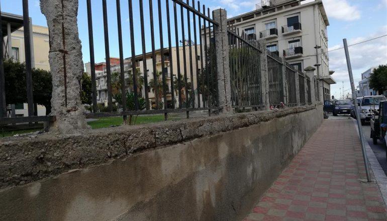 Muro Ospedale Melito, primo intervento dell'ASP