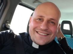 Don Ivan Iacopino parroco a Brancaleone