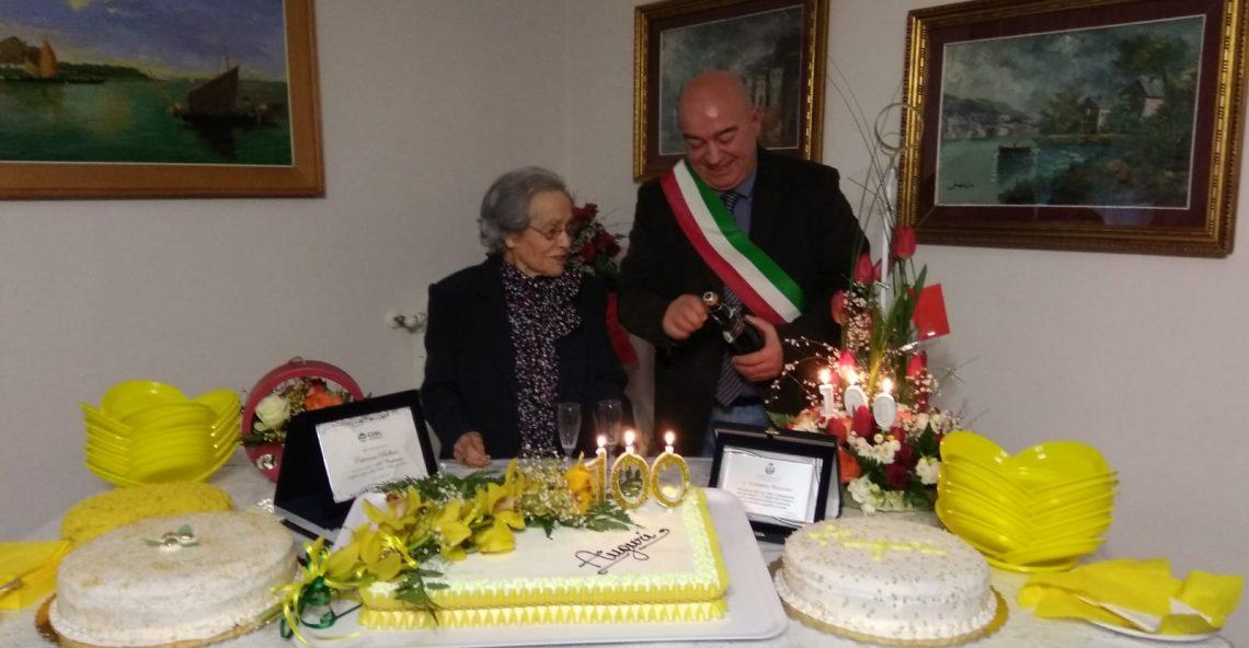 """""""Zia"""" Caterina Bellusci varca la soglia dei cent'anni"""