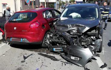 Ss 106, incidente a Lazzaro: quattro feriti