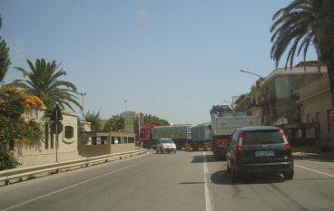 Incidente Ss 106 a Lazzaro, due feriti
