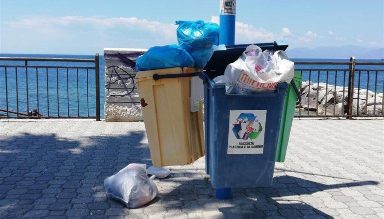 Lungomare Cicerone di Lazzaro, ancora rifiuti