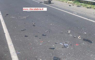 Incidente a Melito Porto Salvo sulla SS106. Auto ribaltata