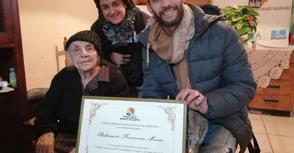 100 candeline per nonna Francesca Maria