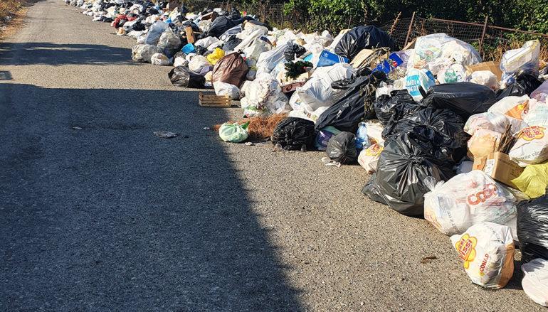 Emergenza Rifiuti: Marina di San Lorenzo invasa dalla spazzatura