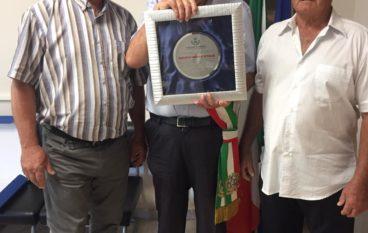 Bianco (Rc). 50 anni per gli autobus Bonfà-Tali. Donata targa
