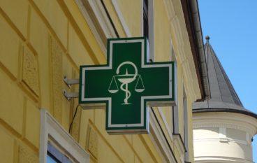 Farmacie aperte: come districarsi tra orari, ferie e norme