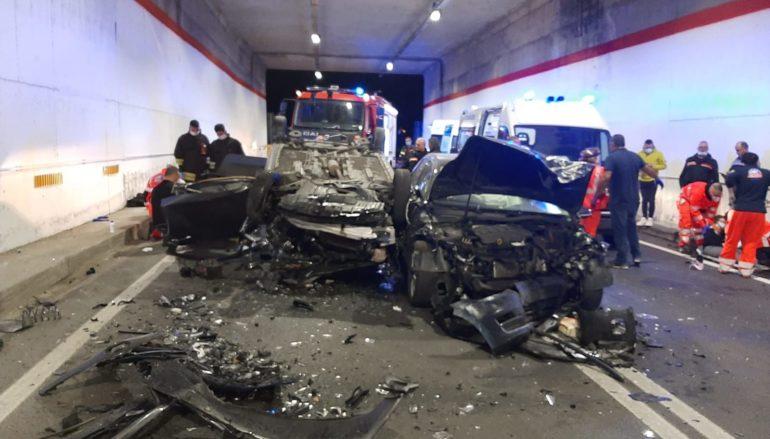 Bova Marina (Rc). Pauroso incidente sulla SS106. Tre auto coinvolte
