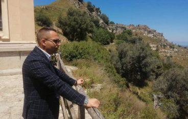 Il Consigliere Metropolitano Rudi Lizzi, visita il borgo di Brancaleone Vetus